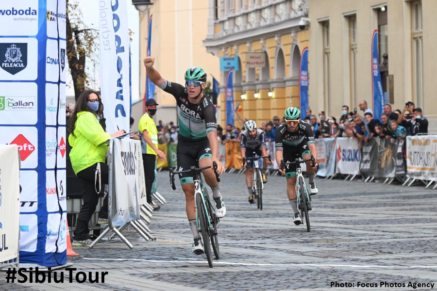 Pascal Ackermann wins ahead of his lead-out  man Michael Schwarzmann (BORA  - hansgrohe) and Eduard Michael Grosu  (NIPPO DELKO One Provence)
